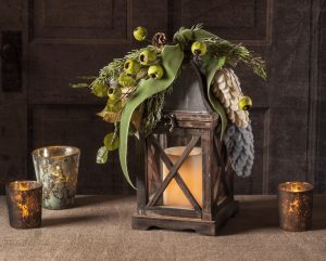 Carriage Lantern with Greens