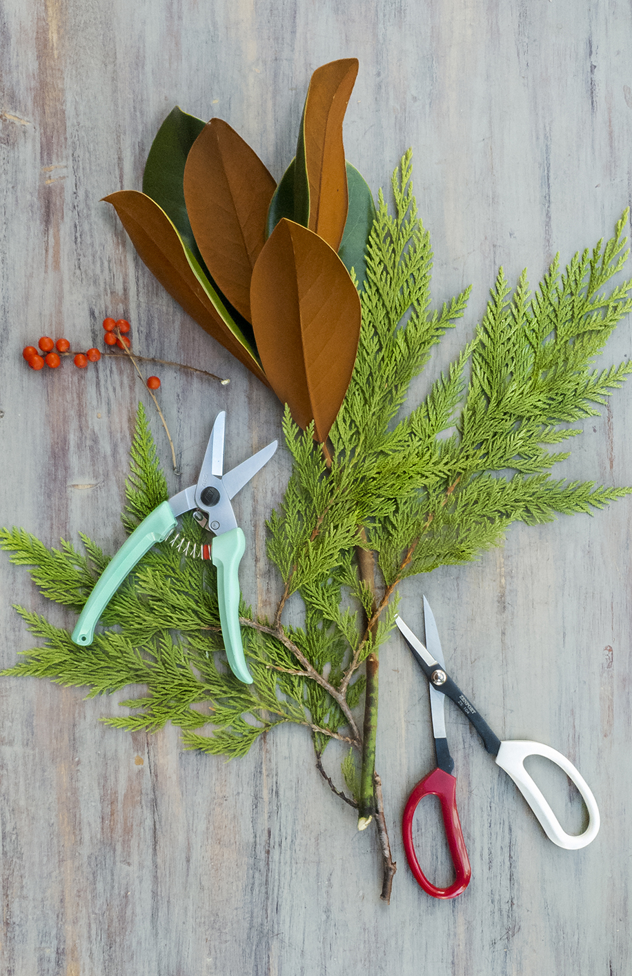 Holiday flower arranging class tools